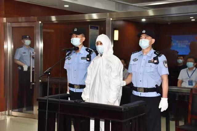 Blogger Qiu Ziming vor Gericht