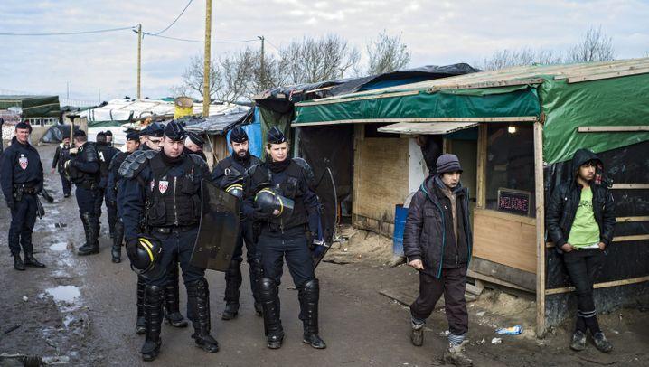 """Camp von Calais: Gespannte Ruhe im """"Dschungel"""""""