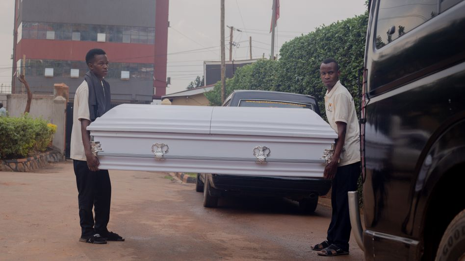 Beim Uganda Funeral Service hat sich die Zahl der Beerdigungen inzwischen verfünffacht