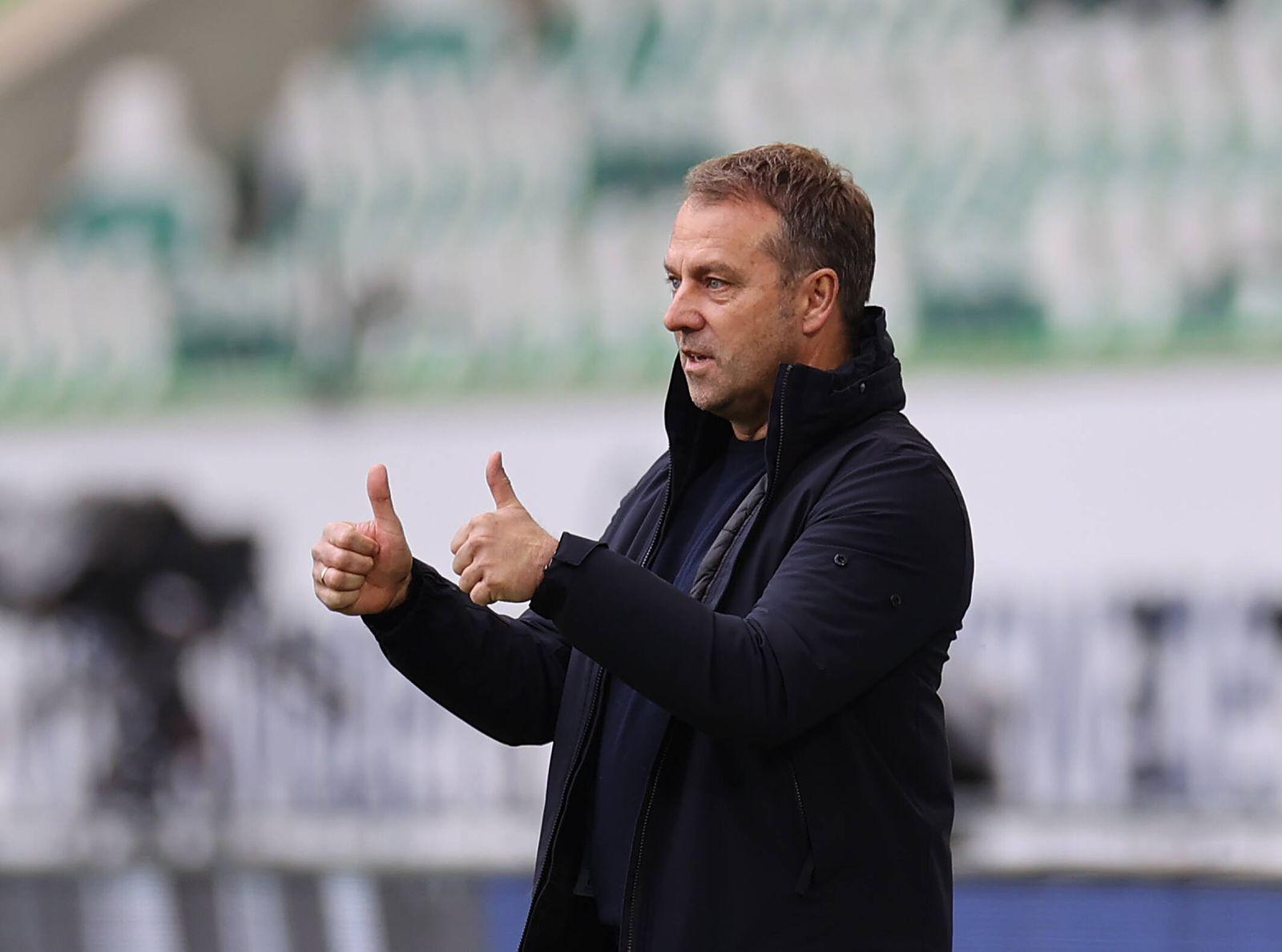 Daumen hoch nach dem 0-2 Cheftrainer Hansi Flick (FC Bayern Muenchen) DFL REGULATIONS PROHIBIT ANY USE OF PHOTOGRAPHS AS
