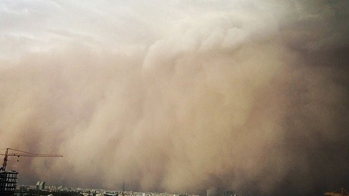 Tote durch Sandsturm: Mit 120 Stundenkilometern durch Teheran