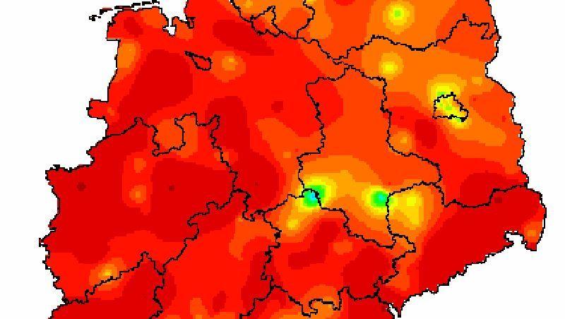 """Grippe, 8. Kalenderwoche (grün steht für """"geringfügig bis moderat erhöhte Aktivität"""", orange für """"deutlich"""", rot für """"stark"""")"""