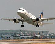 Flugzeug bei der Landung: Notschalter für Entführungen?