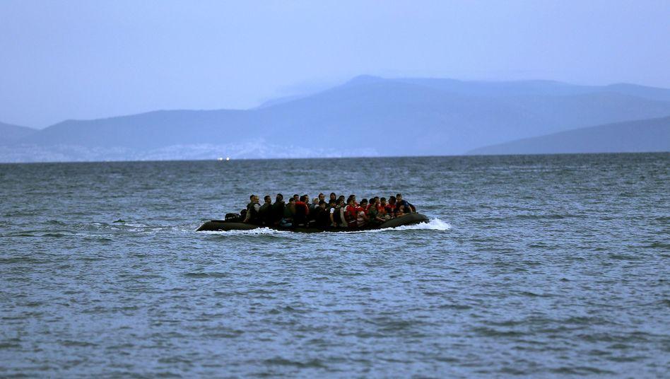 Afghanische Flüchtlinge vor der griechischen Insel Kos: Tausende Menschen kommen innerhalb weniger Tage