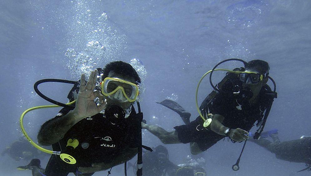 Sitzung unter Wasser: Spektakulärer Aufruf vom Ozeangrund