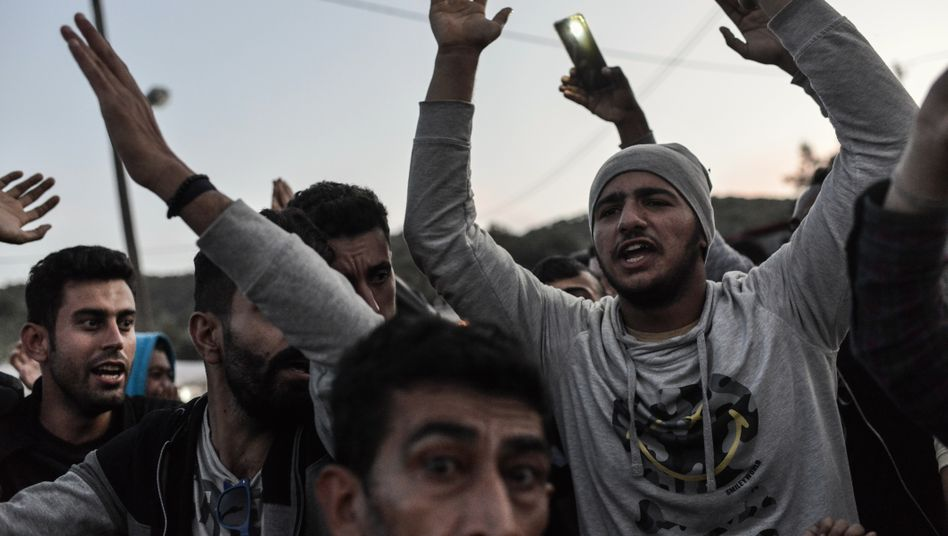Proteste von Flüchtlingen auf Lesbos: Elende Bedingungen.