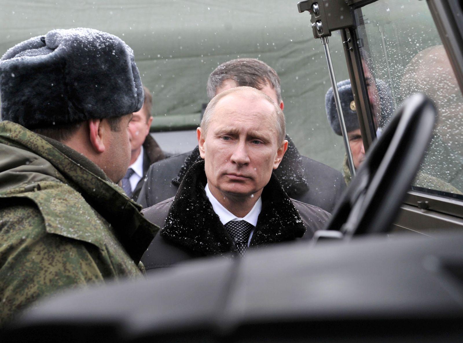 Putin/ Militär