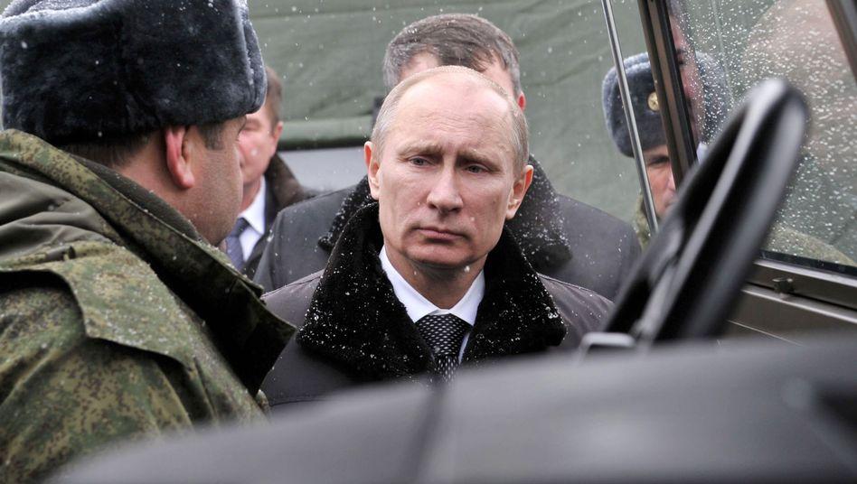 Russlands Präsident (Archivbild von 2012): Großmanöver angeordnet