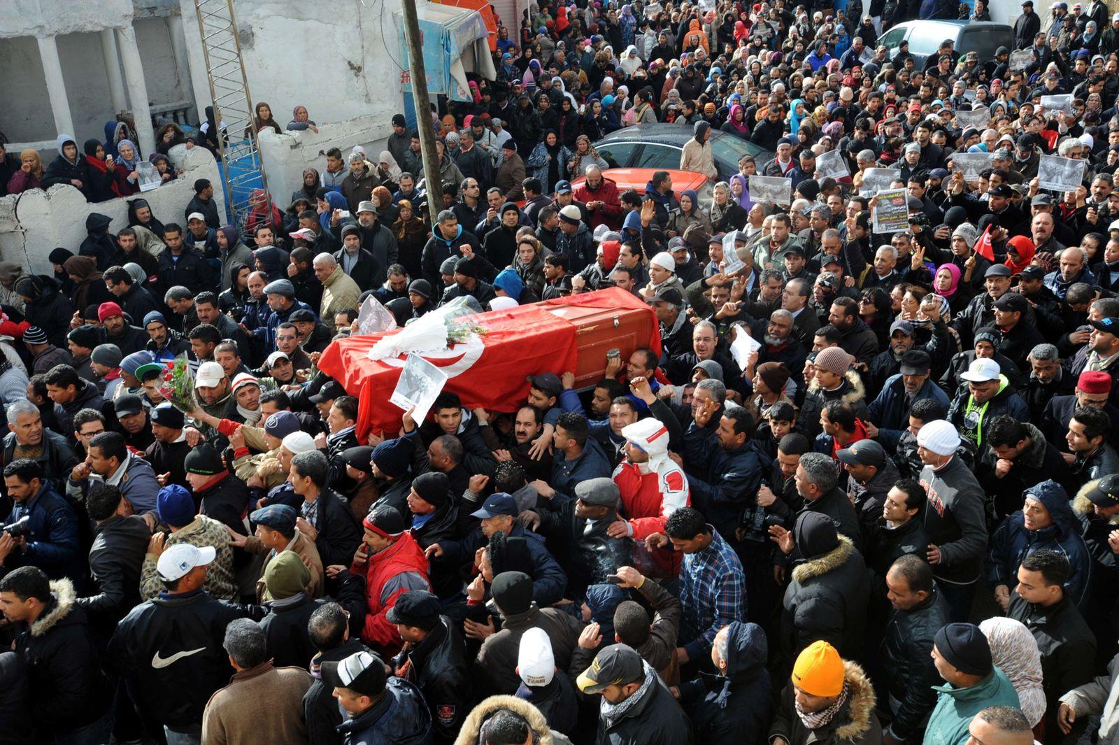 Tunis / Beerdigung Chokri Belaid