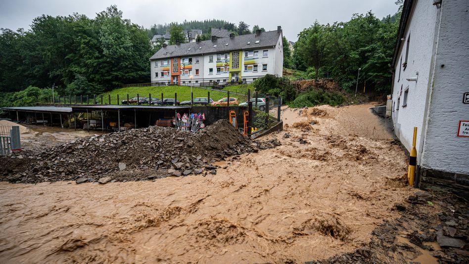 Altena: Erdrutsch nach Starkregen