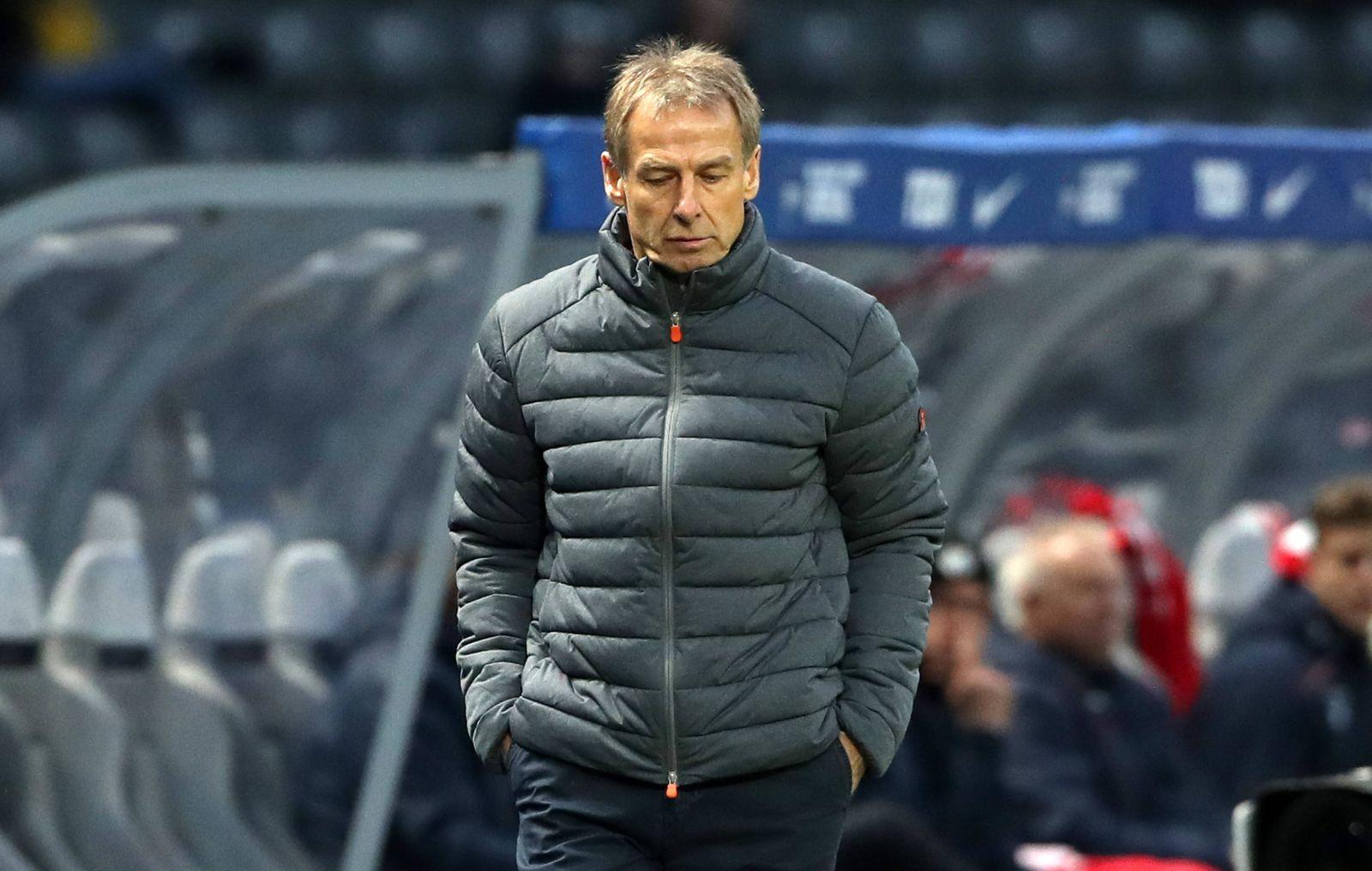 Trainer Jürgen Klinsmann enttäuscht / Enttäuschung / / Fußball Fussball / DFL Bundesliga Herren / Saison 2019/2020 / 08.