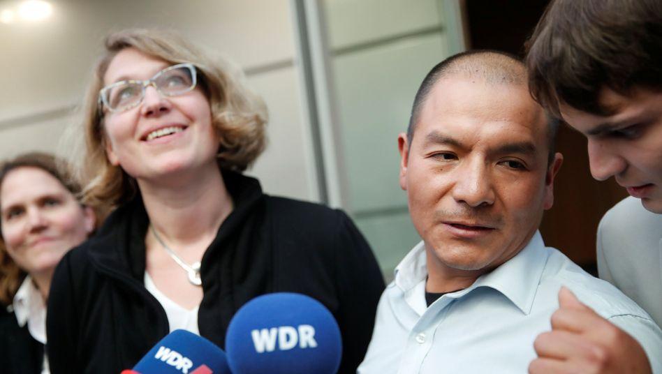 Saúl Luciano Lliuya und seine Anwältin Roda Verheyen in Hamm (Archivfoto)