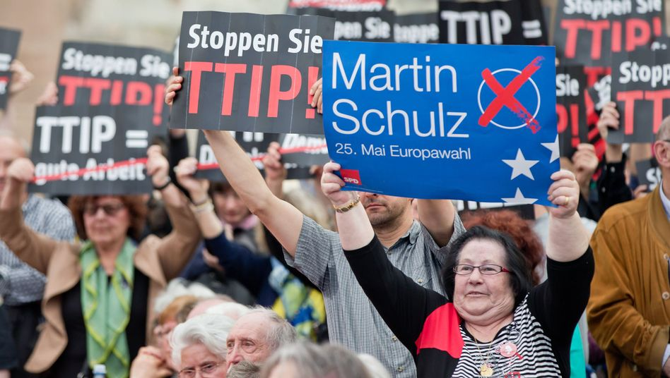 Bürger im EU-Wahlkampf (Nürnberg): Keine Resolution im Europaparlament