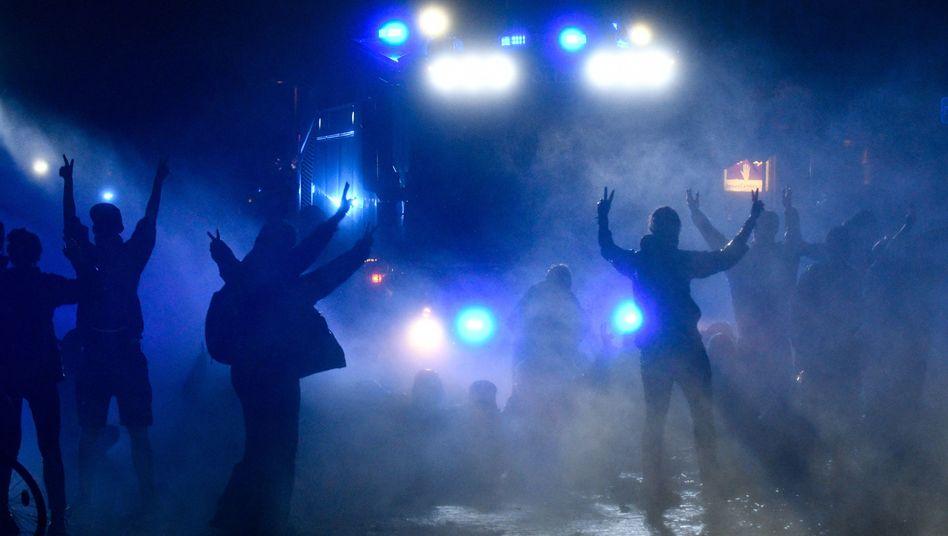 Polizisten und Demonstranten bei G20-Protesten in Hamburg 2017