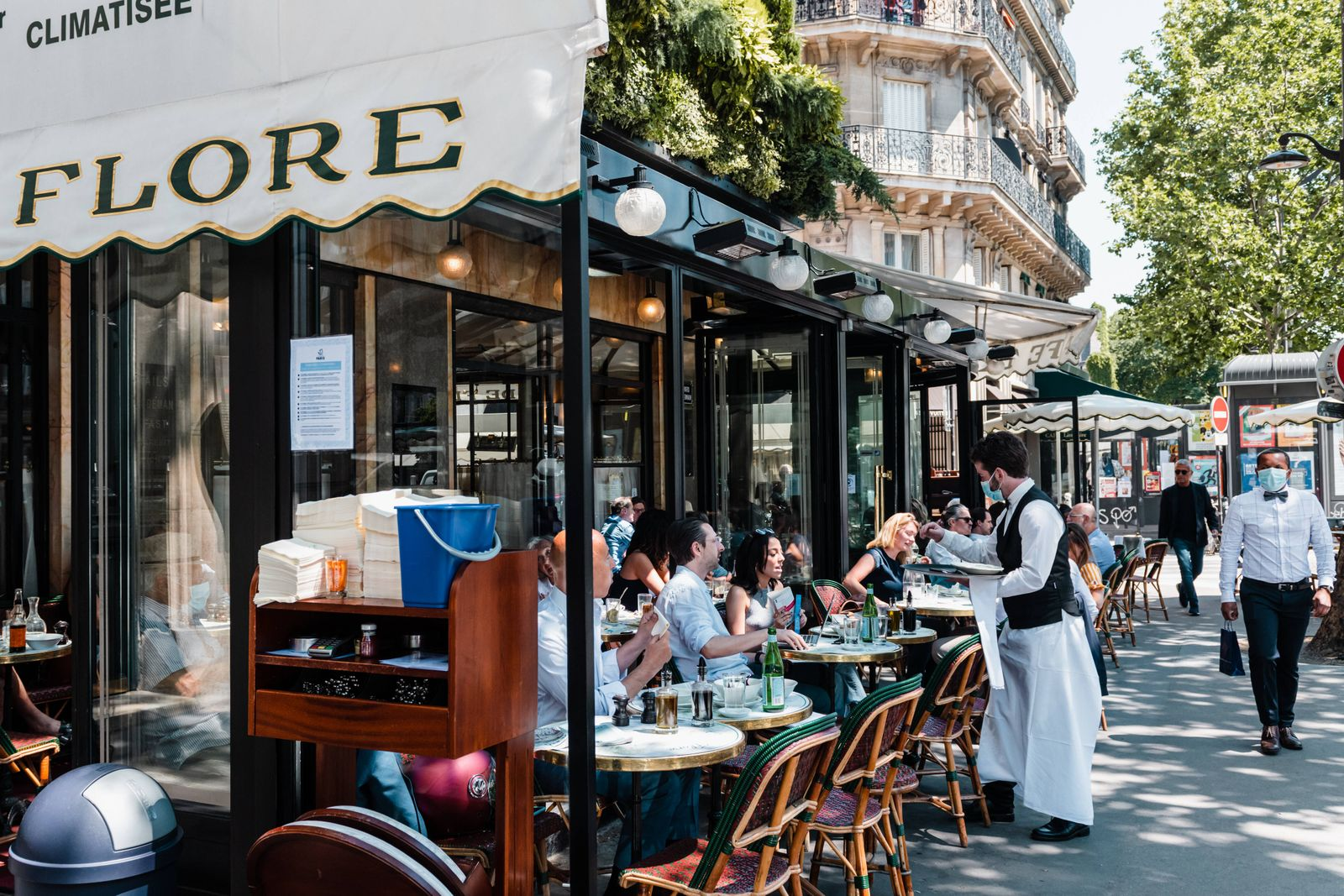 FRANCE - COVID - OPENING OF CAFE TERRACES - PARIS The terrace of the cafe de Flore in Saint Germain des Pres. 1st openin