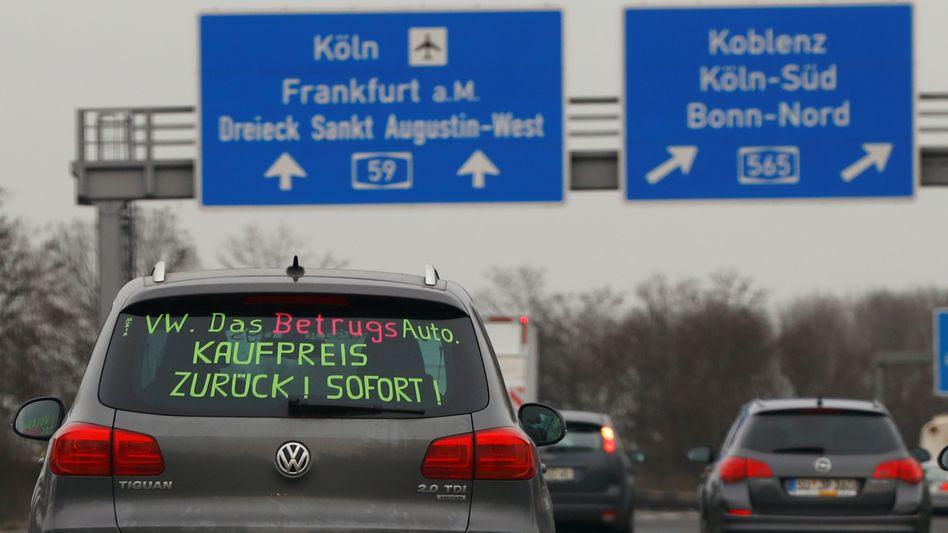 Der Wunsch der VW-Kläger passt locker auf eine Heckscheibe