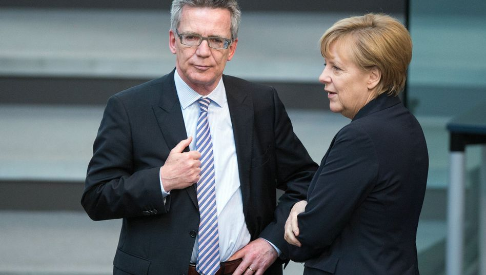 Merkel und de Maiziere: 360-Grad-Blick in der Spionageabwehr