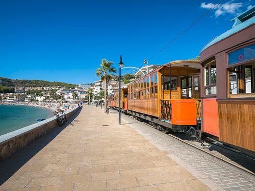Von Sóller ans Meer: 1913 eröffnet, fährt die Oldtimer-Bahn noch heute