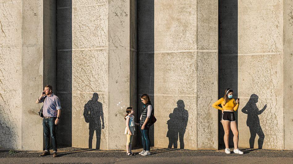 Das Gefühl, einsam zu sein, hat gerade unter jungen Menschen in der Pandemie zugenommen