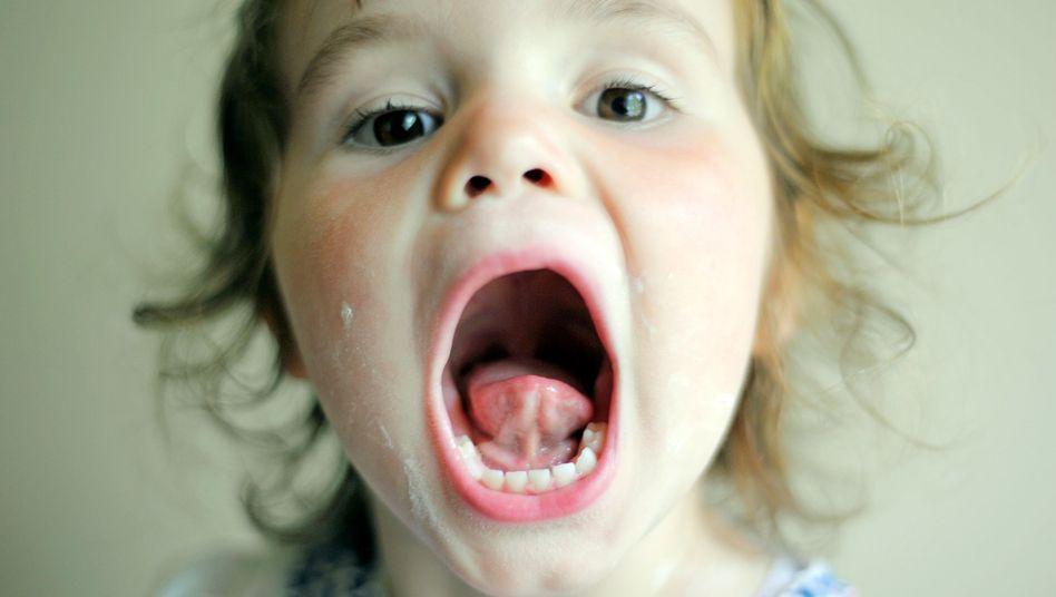 Kinder können erst ab der dritten Klasse richtig selbst putzen, davor sollten Eltern immer nachhelfen