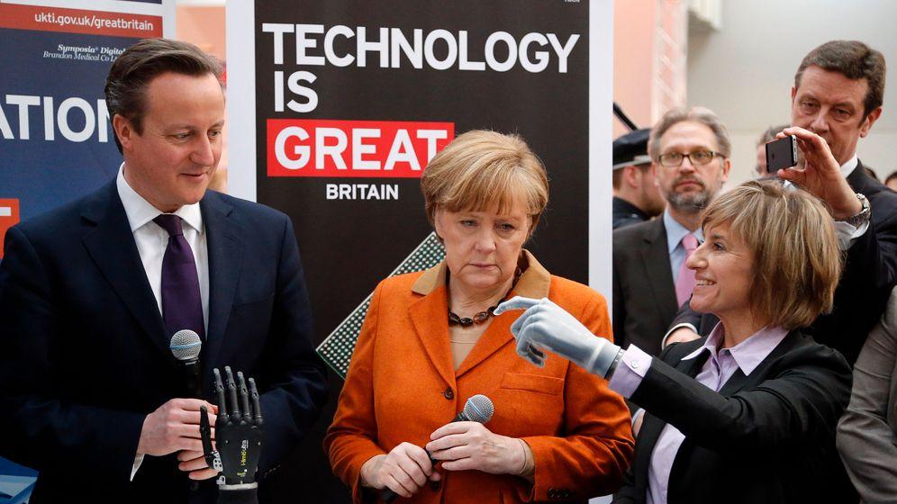 """Merkel auf der Cebit: """"Was kostet ein Meter Glasfaser?"""""""