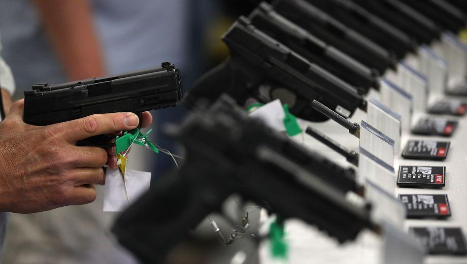 Pistolen von Smith & Wesson: Ängste wegen Pandemie und Unruhen