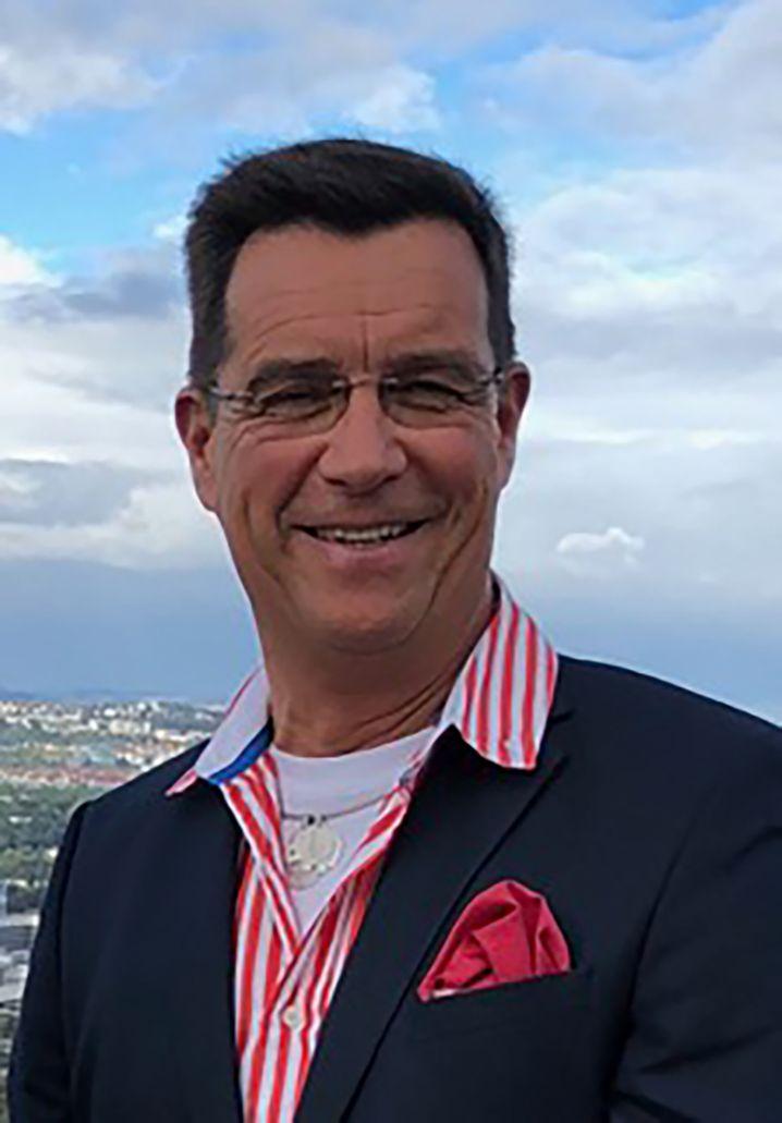 Thomas Kerber, 60, leitet das Theaterkostümhaus Wagner in Stuttgart-Untertürkheim.