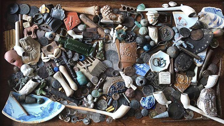 Ton, Steine, Scherben - was Lara Maiklem alles findet