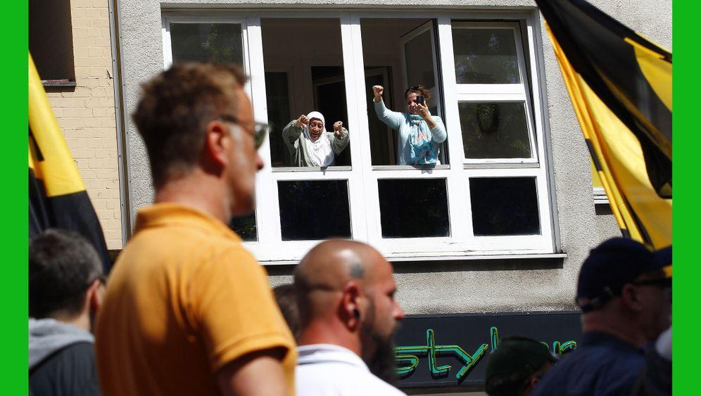 """Demonstration gestoppt: """"Identitäre Bewegung"""" kommt in Berlin nicht weit"""