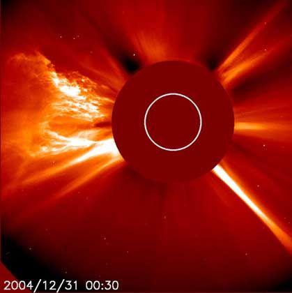 Sonneneruption: Signale vom Satelliten überlagert