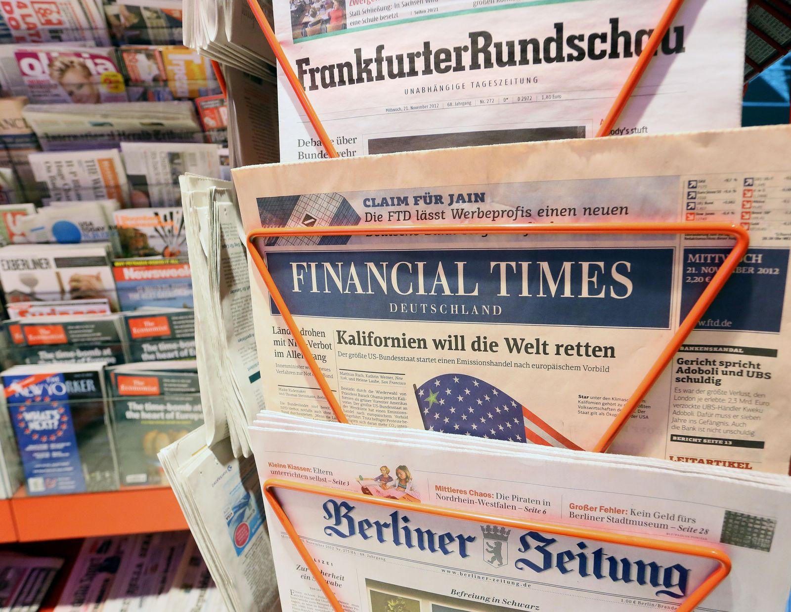 Zeitungsstand mit Financial Times
