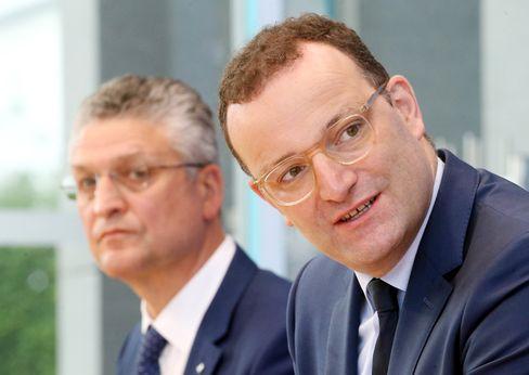 Bundesgesundheitsminister Spahn (r.) und RKI-Chef Wieler
