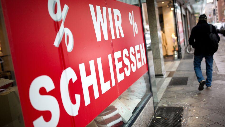 Schaufenster eines Geschäfts in Düsseldorf: Euler Herms rechnet für 2020 mit mehr Insolvenzen