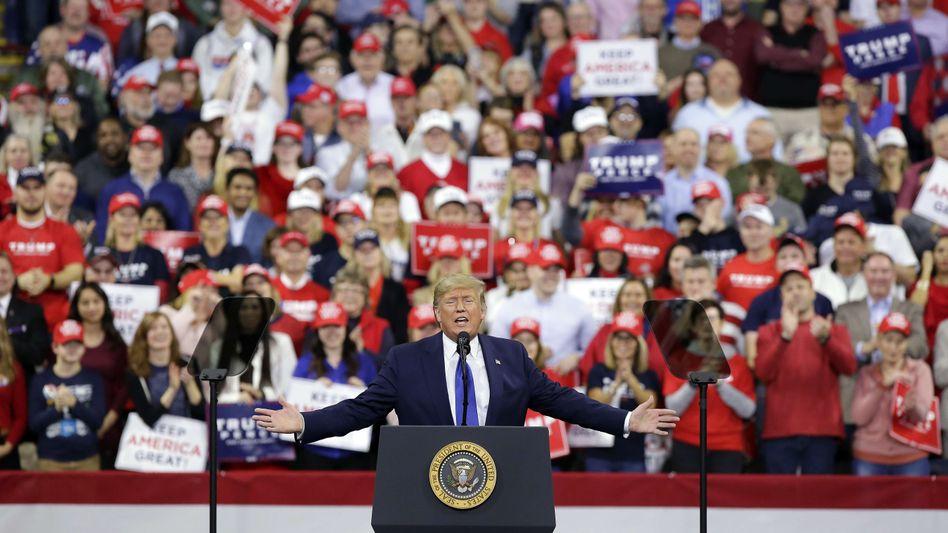 Als der Wahlkampf noch virusfrei war: Trump bei einem Auftritt in Wisconsin im Januar