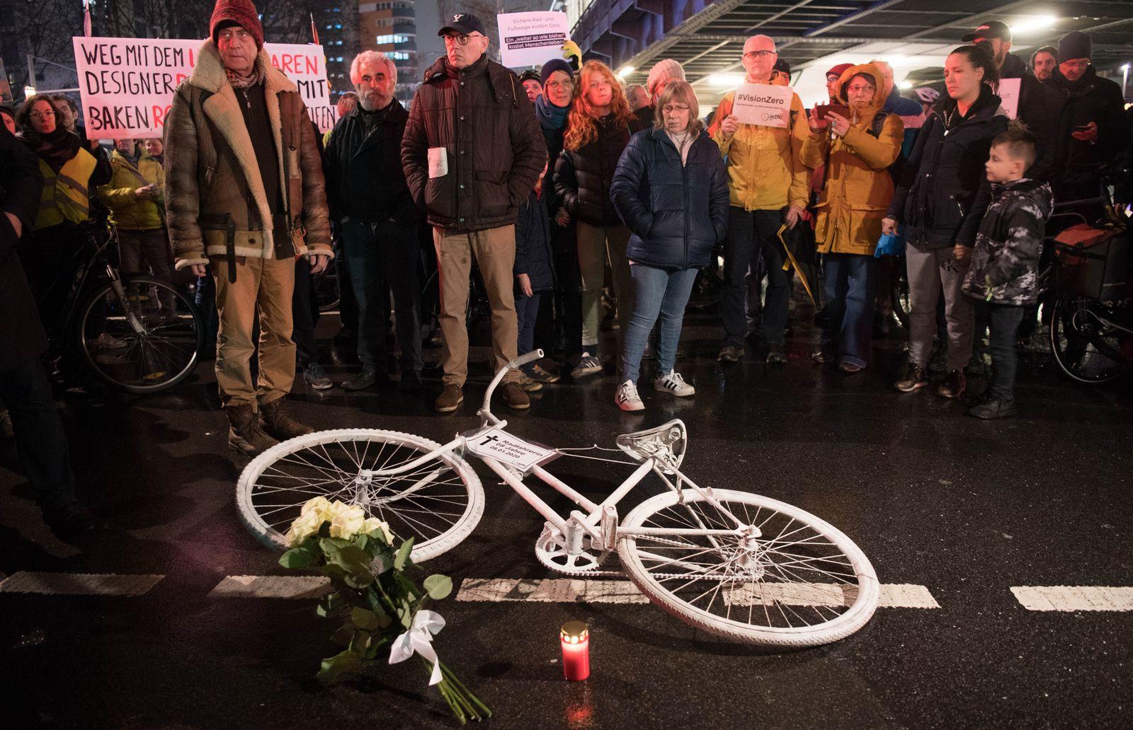 Mahnwache für tote Radfahrerin