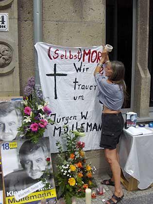 (Selbst)Mord? Legendenbildung bei Möllemann-Mahnwache vor der FDP-Bundeszentrale am Donnerstag