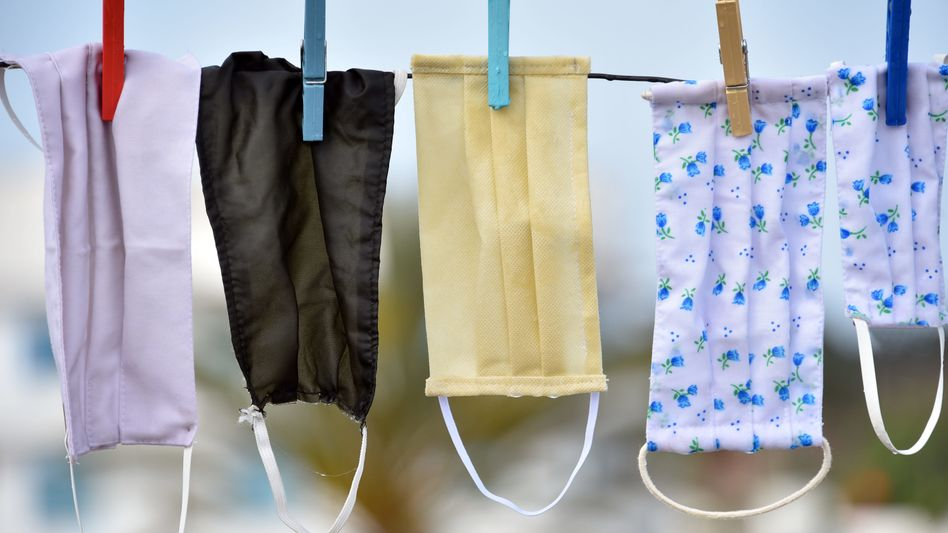 Stoffmasken sollten am besten bei mindestens 60 Grad gewaschen werden