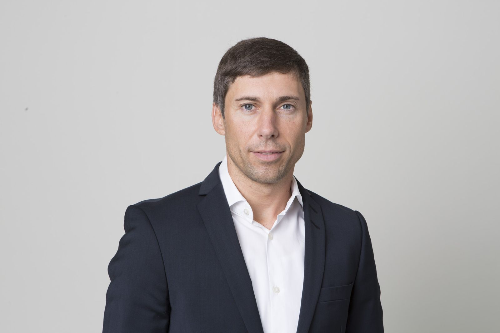 EINMALIGE VERWENDUNG Dirk Baier
