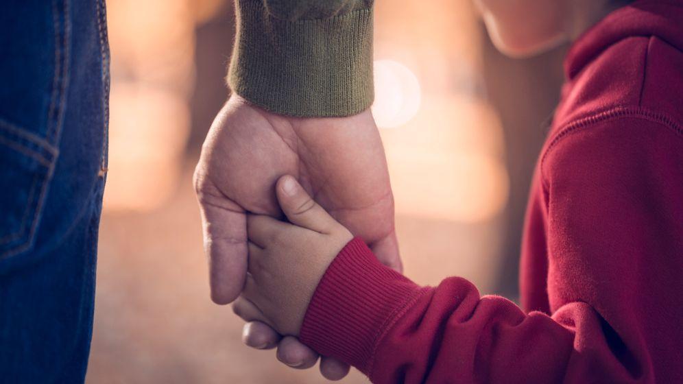 Vater und Sohn (Symbolbild): Wenn Karriere plötzlich nicht mehr wichtig ist