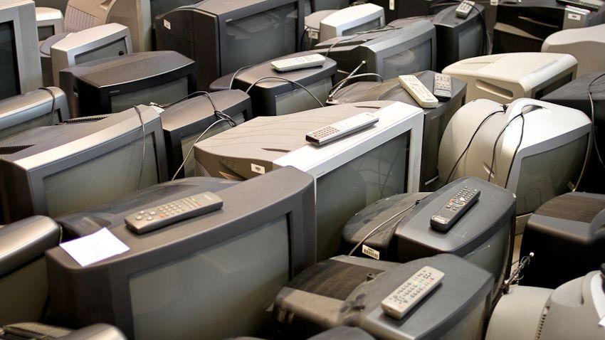 Ausgemusterte Fernseher: Keine Chance gegen das Mobiltelefon