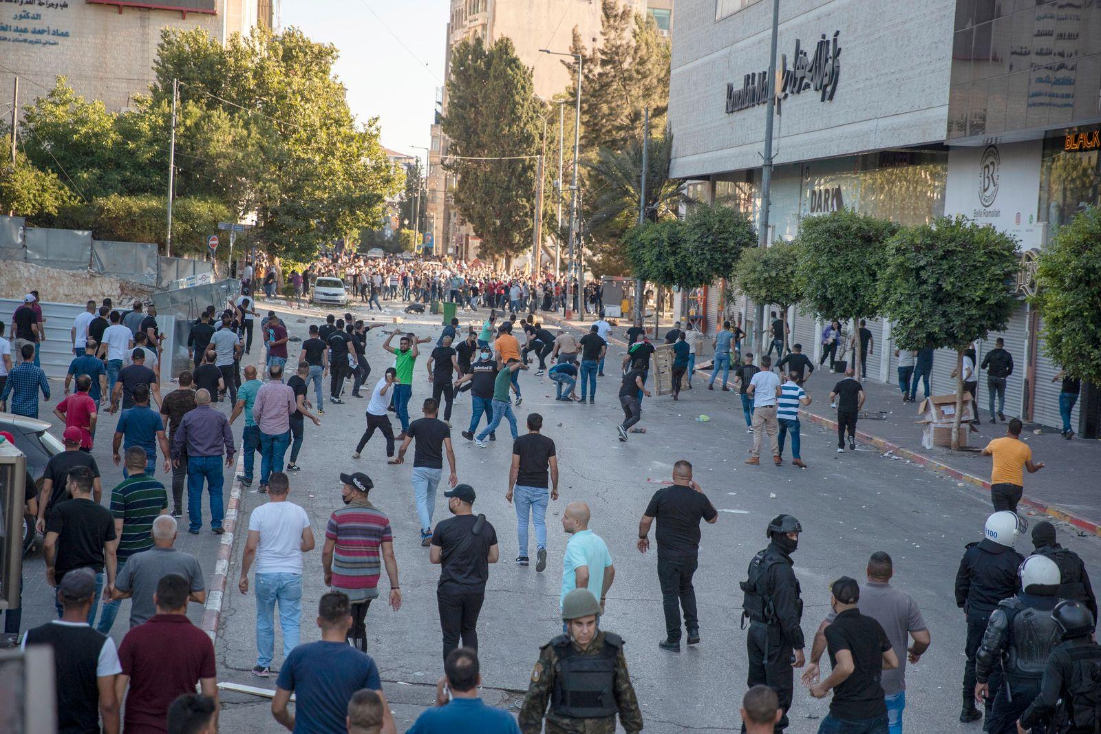 Tausende Palästinenser bei neuen Protesten