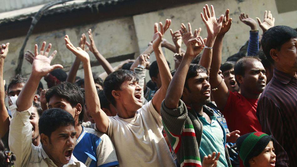 Wut und Trauer in Bangladesch: Tausende Arbeiter gingen auf die Straße