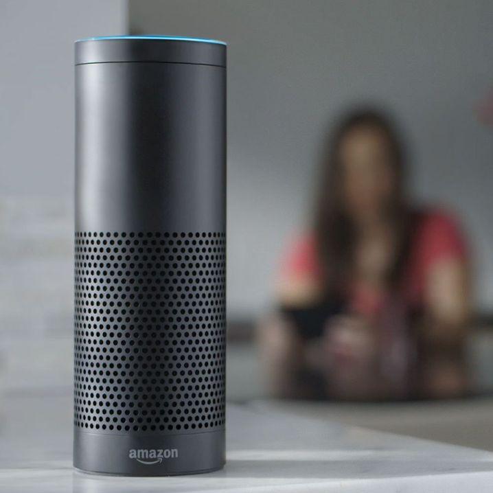 Amazon Echo mit Alexa-Funktion