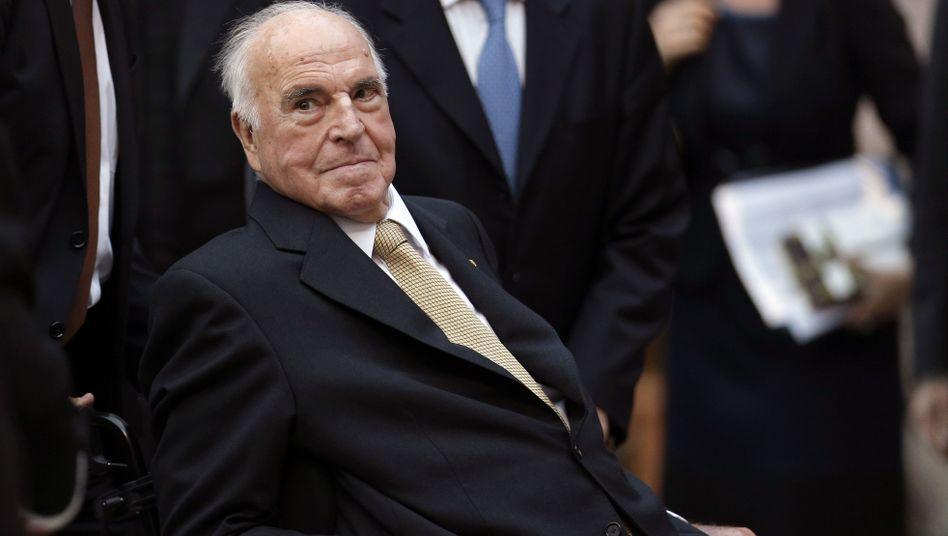 """Helmut Kohl (Archivbild): """"Euro als feste Klammer für Europa"""""""