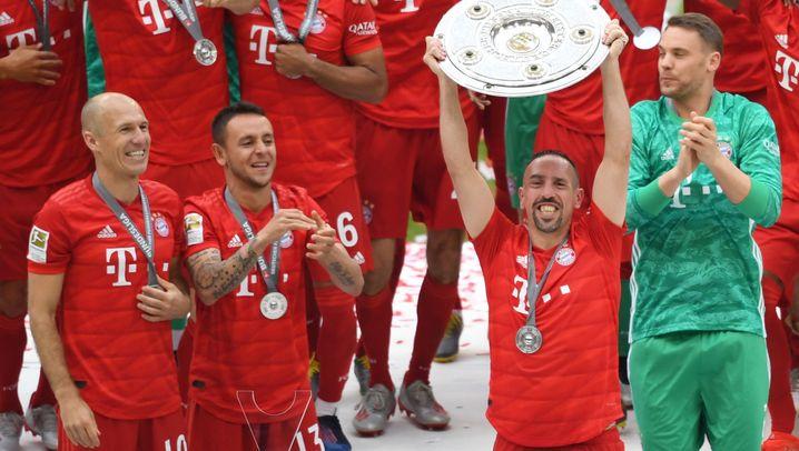 Bayerns Meisterfeier: Robbens letzte Weißbierdusche