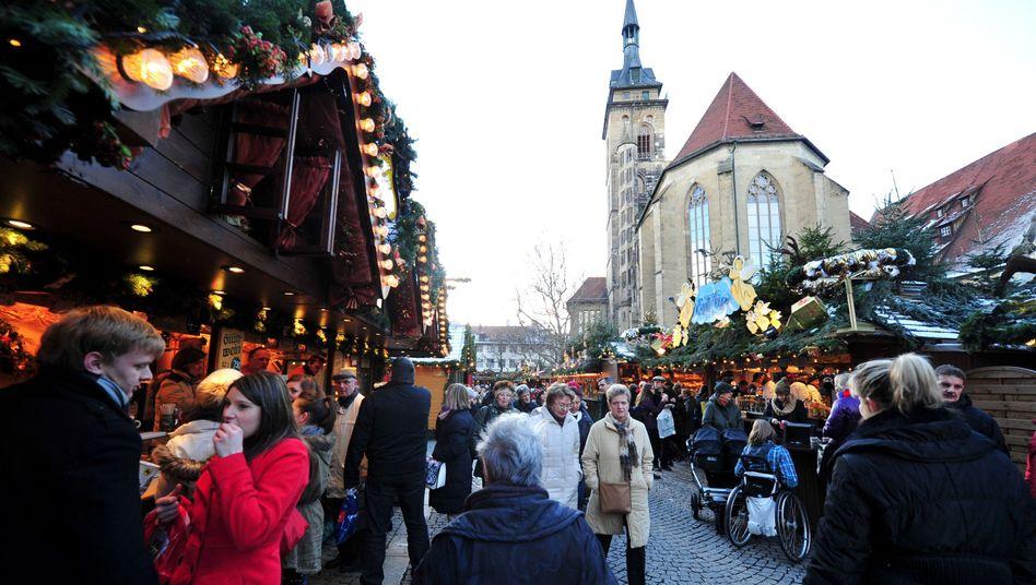 Passanten auf dem Stuttgarter Weihnachtsmarkt: Immer weniger soziale Durchmischung