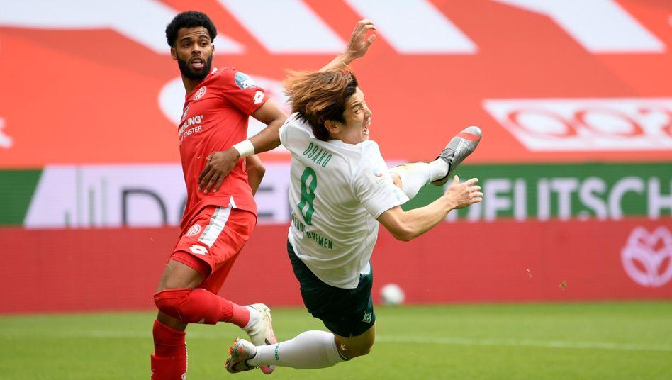 Yuya Osako (rechts) erzielte den Anschlusstreffer für Werder Bremen