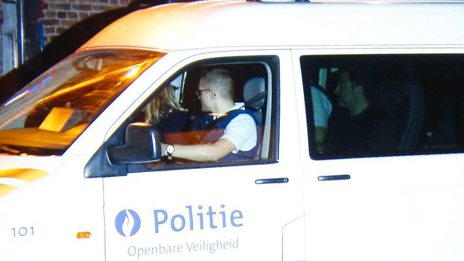 Spielerberater Mogi Bayat (r.) bei seiner Verhaftung
