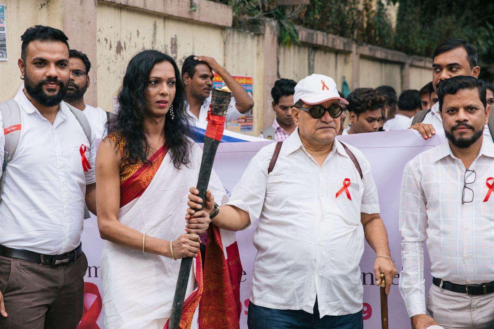 """Start des jährlichen """"Candle Walk"""" in Mumbai zum Gedenken der an HIV Erkrankten und Verstorbenen"""