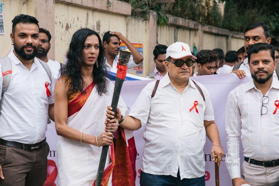 Ashok Row Kavi (2. v. r.) beim jährlichen Aids Candle Walk in Mumbai